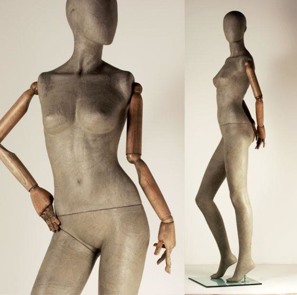 manichino-donna-cartapesta-braccia-in-legno