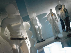 MANNEQUINS - NEW ECO